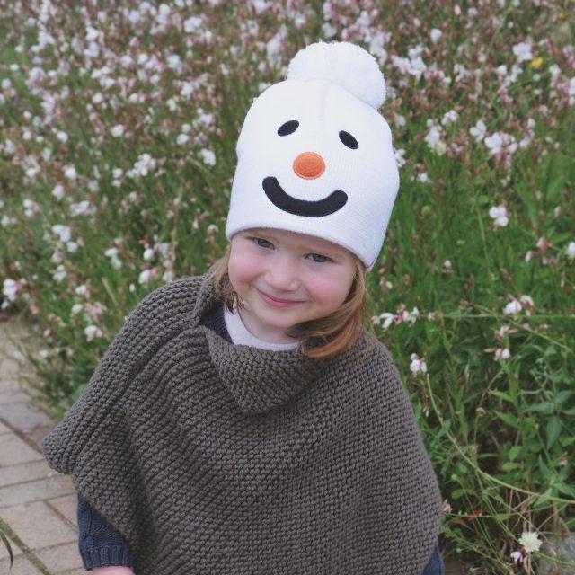 Défi du jour :  Trouver un bonnet plus mignon que le bonnet Snowman de @blanc_bonnet ! 👼🏻 En plus, il est fabriqué en France🇫🇷  #blancbonnet #ootd #Picoftheday #photography #kids #enfants #bonnetbebe #bonnetenfant #pr #rp #relationspresse #agencedepresseparis #flag #agenceflag